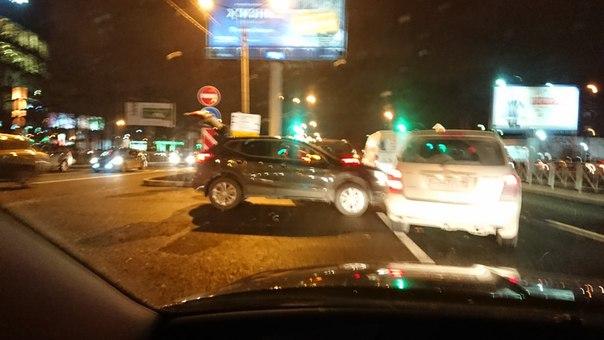 Выехал прямо со Звёздной улицы на Московский проспект,