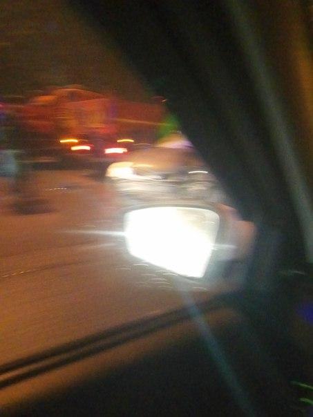 На кольце авария,пробка километра 2,кто едет по обочине, пустите спец службы !