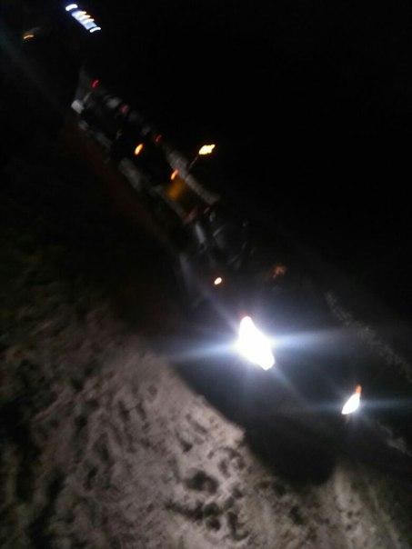 На Скандинавии перед Огоньками опасные ямы , 4 машины пробили колеса ,