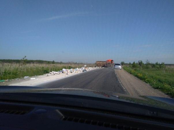 КАМАЗ все растерял по дороге из Оккервиля в Новосергиевку, на повороте