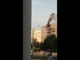 В доме 30/1 на Проспекте Славы загорелся балкон