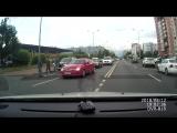 На Искровском проспекте вне пешеходного перехода парень с признаками САО выбежал на дорогу прямо под...