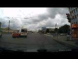 Сегодня, 12.08.18, примерно в 14:30 стал очевидцем ДТП на набережной Обводного канала, Honda Fit ора...