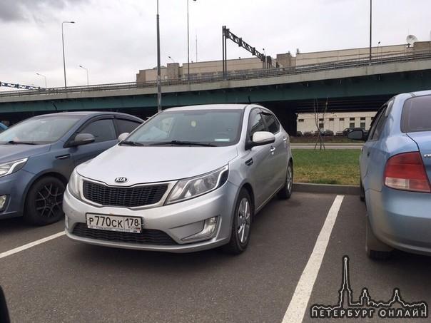 10 января в период времени с 12:55 по 13:10, с парковки «Лента» по адресу Пискаревский проспект 59, ...