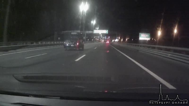 Во вторник, 8-го сентября, в районе 21 часа около съезда с КАДа на Парашютную водитель Шевинивы в пр...