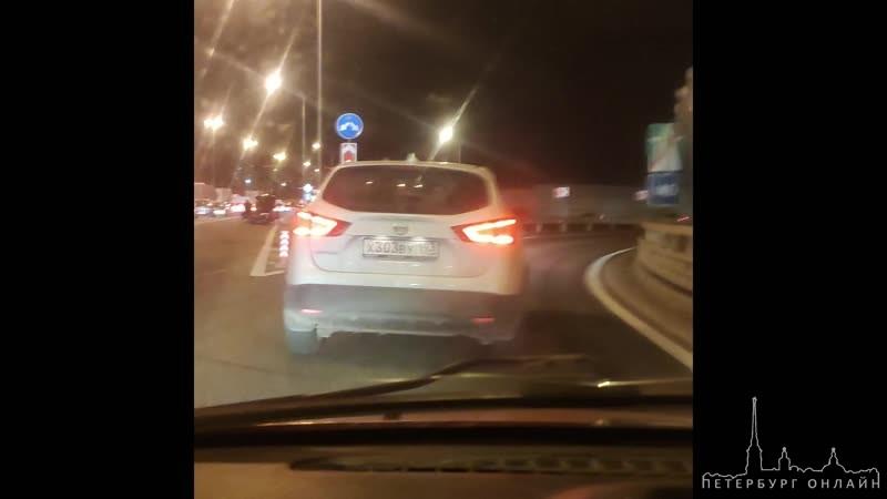 Типичная ситуация. Пробка из-за ремонта дорог на КАДе между съездами на Мурино и Руставели. Любитель...