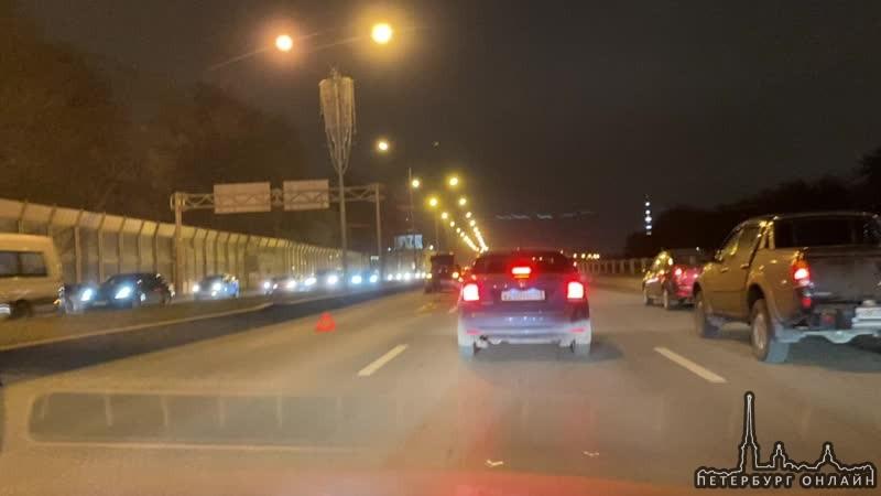 Audi догнал Audi в левом ряду на Приморском шоссе 79