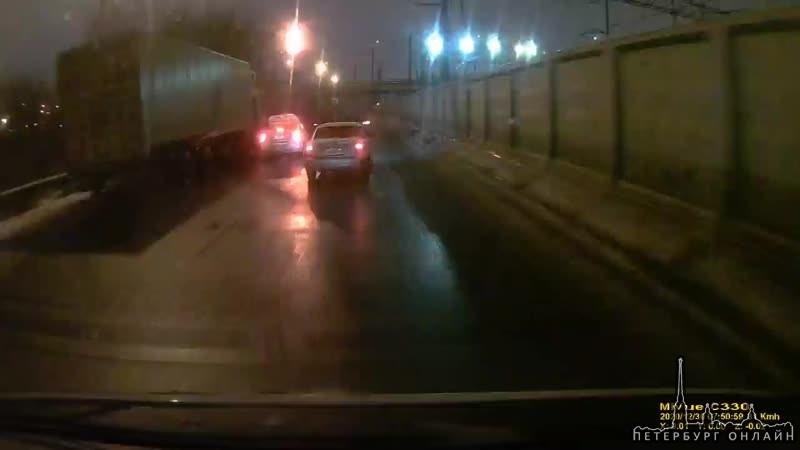 Водитель приоры-редиска, так как самосвал ехал медленно и не давал обогнать на дороге в Угольную Гав...